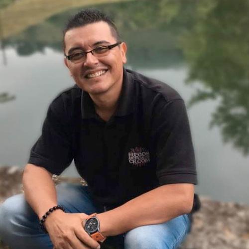 Dennis Aguilar, Fuegos Artificiales CR