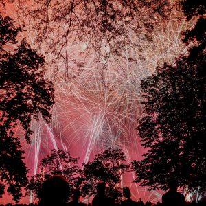 Fuegos Artificiales En Costa Rica, Juegos De Pólvora