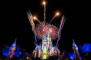 """Fuegos Artificiales en Disney, """"Y Vivieron Felices para Siempre"""""""